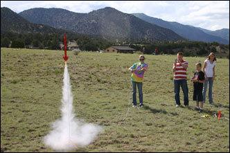 Model_rockets_away