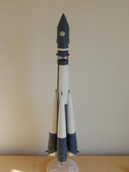精密なボストークロケットヲバルサと紙で作り飛ばす: モデルロケット製作
